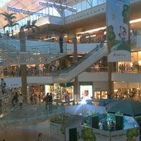 Foto tirada no(a) Salvador Shopping por Castro k. em 10/8/2011