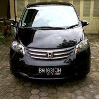 Photo taken at Honda Arista Sudirman by Prayudi A. on 11/17/2011