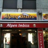 Das Foto wurde bei Alpen Imbiss von Wiz L. am 7/24/2012 aufgenommen