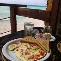 Photo prise au Surfers Cafe par GiGi le2/22/2012