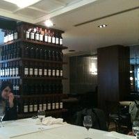 รูปภาพถ่ายที่ Şans Restaurant โดย Stefan S. เมื่อ 4/26/2011