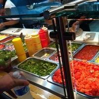 Das Foto wurde bei Burrito Boyz von Ashley M. am 7/29/2011 aufgenommen