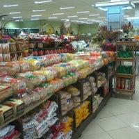 Foto tirada no(a) Hortimais por Lice D. em 9/9/2011
