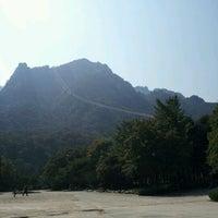 Photo taken at Sorak Cable Car by Jihyun Y. on 10/8/2011