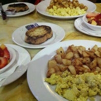 Photo taken at Bella Bru Cafe by Stevenology on 1/22/2012