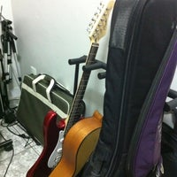 Photo taken at Power Trip Instituto de Guitarra by Marcello N. on 6/12/2012