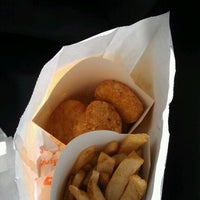 Photo taken at Bojangles' Famous Chicken 'n Biscuits by Daniel M. on 11/8/2011