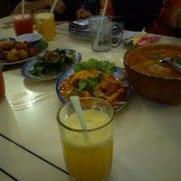 Photo taken at Restoran Man Tomyam by Zaidi M. on 12/19/2011