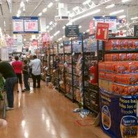 Foto tomada en Walmart por AlberTux S. el 12/24/2011