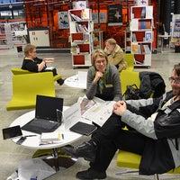 Photo taken at Entressen kirjasto by Entressen kirjasto on 1/14/2012