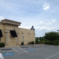 Photo taken at Zaxby's Chicken Fingers & Buffalo Wings by RP S. on 6/4/2012