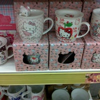 Photo taken at Daiso Japanese Store by Lëz L. on 9/4/2012