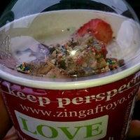 Photo taken at Zinga! Frozen Yogurt by Rania Q. on 5/13/2012