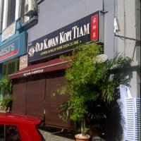 Photo taken at Old Kawan Kopitiam by Richard H. on 10/9/2011