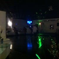 12/4/2011にThe Premiere L.がPremiere Loungeで撮った写真