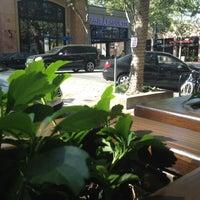 Photo taken at Starbucks by Yuri R. on 5/4/2012