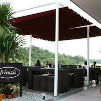 Photo taken at Frienzie Bar & Bistro by Ning Wee Y. on 1/24/2011