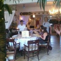 Foto tirada no(a) Refugio Restaurante por Rafael D. em 10/30/2011