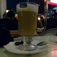 Photo prise au Java Bean Coffee par Deny D. le4/22/2011