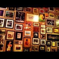 Foto tirada no(a) Oscar Café por Erica I. em 1/28/2012