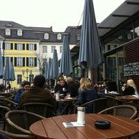 Das Foto wurde bei Café MIDI von Ilja P. am 2/25/2012 aufgenommen