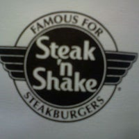 Photo taken at Steak 'n Shake by Sara L. on 3/28/2012