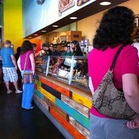 7/15/2011 tarihinde Matt B.ziyaretçi tarafından Freebirds World Burrito'de çekilen fotoğraf