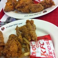 Photo taken at KFC by Bống bang on 11/11/2011