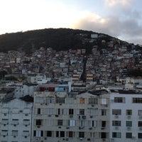 Foto tirada no(a) South American Copacabana por Wim D. em 6/13/2012