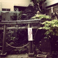 Photo taken at 鉄砲洲稲荷神社 by 服部 雄. on 5/29/2012