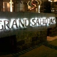 Photo taken at Grand Sahid Jaya by deni e. on 9/1/2012