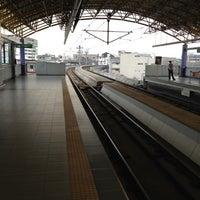 Foto tirada no(a) LRT 2 (Legarda Station) por Cathy D. em 5/17/2012