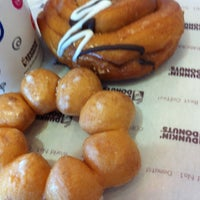 Photo taken at Dunkin' Donuts by Seha C. on 8/27/2012