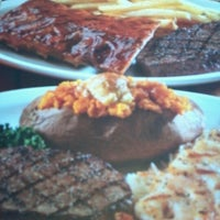 Photo taken at Logan's Roadhouse by Beentheredoingthat on 7/6/2012