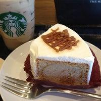 Photo taken at Starbucks by Nobuyuki K. on 8/22/2012