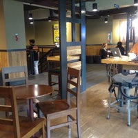 Photo taken at Starbucks by 예의바른 림유난 on 7/6/2012