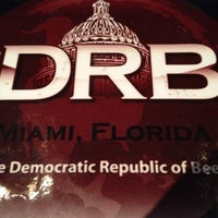 Foto tomada en The DRB (Democratic Republic Of Beer)  por Alvaro R. el 3/8/2012
