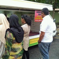 Photo taken at Azhar Station Special Nasi Ayam Goreng Kunyit by Mohd K. on 7/4/2012