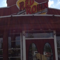 Photo taken at Red Robin Gourmet Burgers by sneakerpimp on 4/20/2012