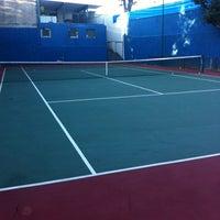 Photo taken at Tenis - Quadra do Robson by Ivan B. on 7/2/2012