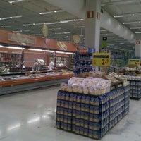 Foto tirada no(a) Carrefour por ricardo o. em 4/4/2012
