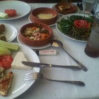 5/21/2012 tarihinde Oral B.ziyaretçi tarafından Cunda Sahil Restaurant'de çekilen fotoğraf