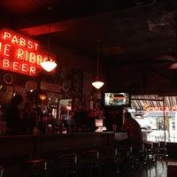 Foto tomada en Moe's and Joe's Tavern por Greg G. el 2/19/2012