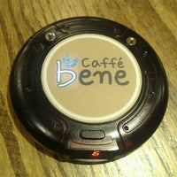 Photo taken at Cafe Bene 구서점 by Chang Wany K. on 6/23/2012