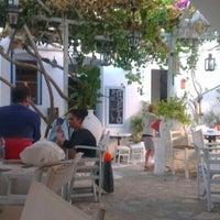 รูปภาพถ่ายที่ Τρίπορτο โดย Miltos E. เมื่อ 8/28/2012