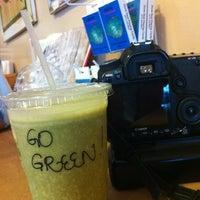 Das Foto wurde bei Java Kai von Charlie V. am 7/8/2012 aufgenommen