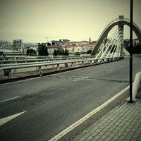 Foto tirada no(a) A Ponte do Milenio por Pepe D. em 6/2/2012