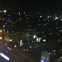 Photo taken at Menara Peninsula Hotel Jakarta by Reka Y. on 7/2/2012