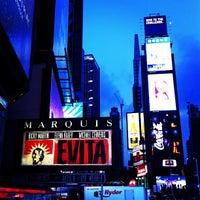 Foto tirada no(a) Marquis Theatre por Armando E. em 9/7/2012
