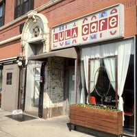 Foto diambil di Lula Café oleh Ming Hwa L. pada 3/15/2012